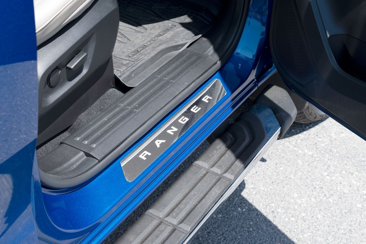 2019 Ford Ranger Supercrew OEM Polished Stainless Sill