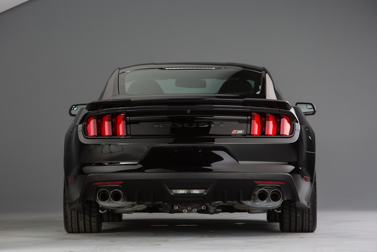 2015 2017 mustang v8 5 0 coupe roush quad tip passive exhaust rear valance kit exterior. Black Bedroom Furniture Sets. Home Design Ideas